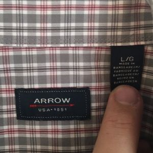 Arrow Shirts - LIKE NEW Men's ARROW button down short sleeve